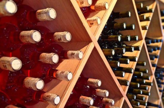 Порядок выдачи акцизных марок на алкоголь могут изменить