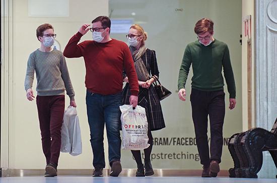 Глава минздрава Литвы предупредил о рисках путешествий за границу