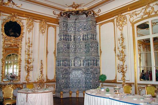 17 лет назад состоялось официальное открытие воссозданной Янтарной комнаты