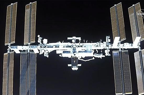 Частный пилотируемый корабль Crew Dragon пристыковался к МКС