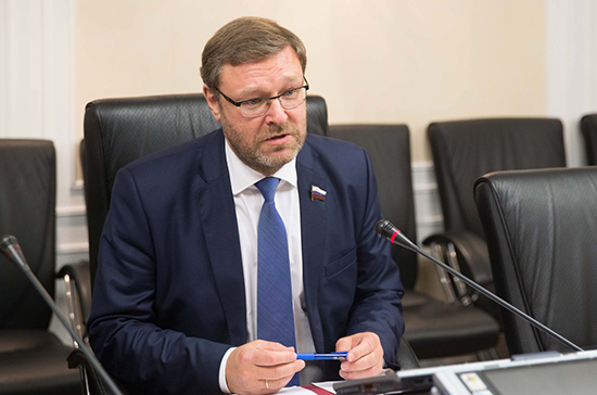 Косачев назвал протесты в США общенациональной бедой
