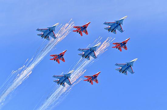 На Параде Победы в Москве авиация пролетит 16 группами