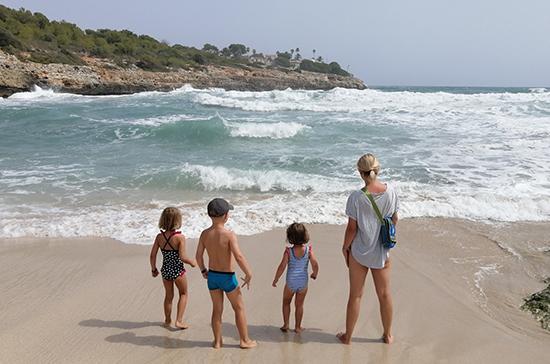 Пляжи на Юге России могут открыться в течение двух недель