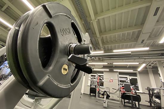 Крупные фитнес-клубы предлагают приравнять к малому и среднему бизнесу