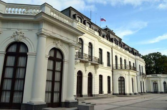 В посольстве РФ назвали провокацией высылку российских дипломатов из Чехии
