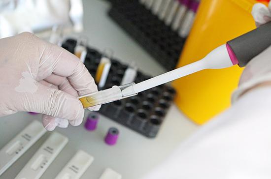 Медицинским лабораториям дали трое суток для тестов на COVID-19