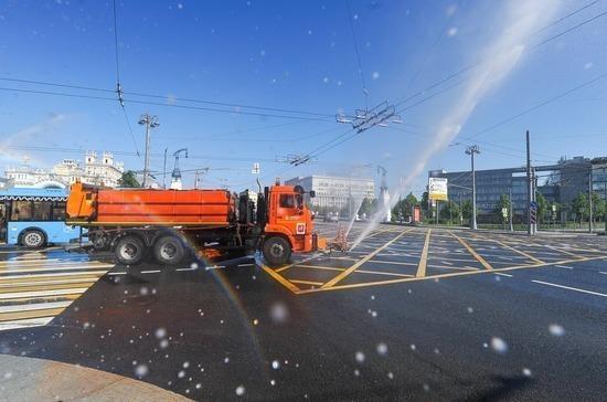 В Москве прошла масштабная дезинфекция дорог и общественных пространств