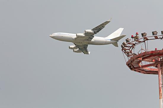 Самолёт с россиянами прибыл из Ташкента в Санкт-Петербург
