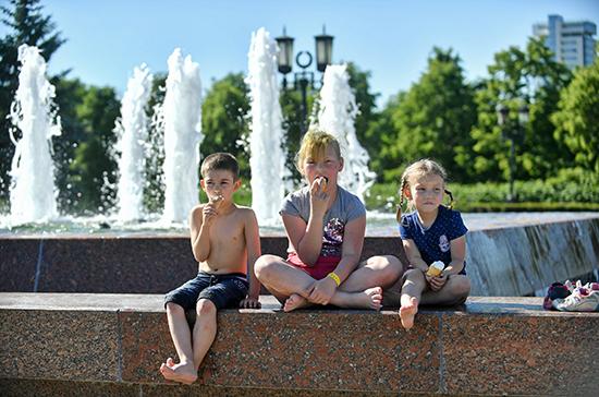 Безработным родителям установят доплату к пособию в 3 тыс. рублей на каждого ребенка