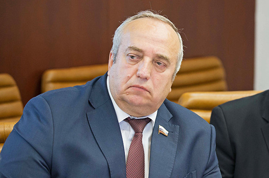 Клинцевич: Ефремов должен по закону ответить за ДТП в Москве