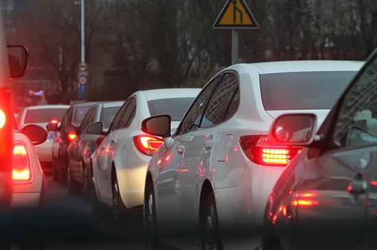 Поток машин на границе Литвы и Польши вырос почти в десять раз после отмены погранконтроля