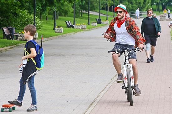 После отмены пропусков ситуация с коронавирусом в Москве не ухудшилась, заявил Собянин