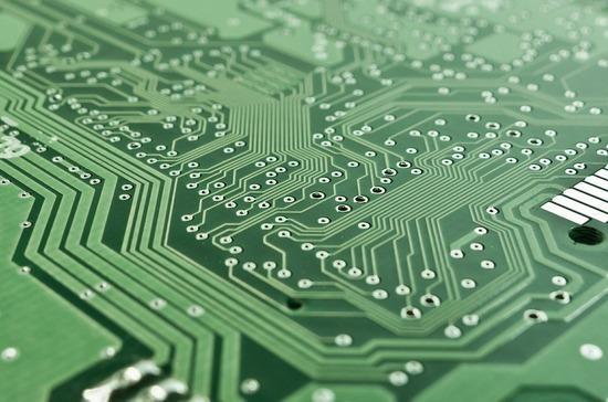 Российскую электронику и импортные компоненты предложили освободить от НДС