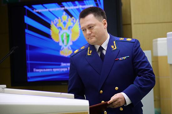 Генпрокурор России пообещал усилить надзор за качеством питьевой воды и выплатами медикам