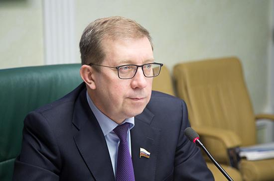 Майоров заявил о важности патриотического воспитания молодёжи