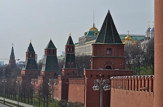 В Кремле не обсуждают идею амнистии к 75-летию Победы