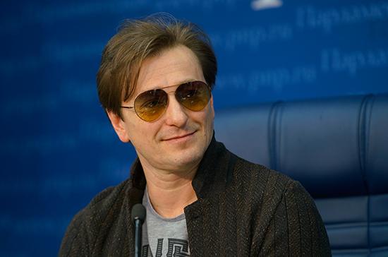 Безруков объяснил, как поправки в Конституцию помогут российской культуре