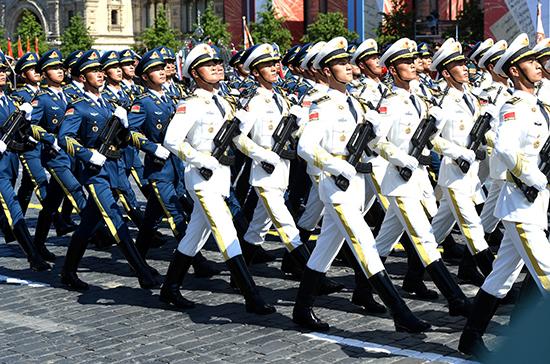 Китайский эксперт назвал цель участия китайских военных в Параде в Москве