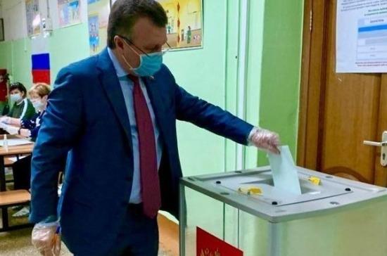 Валерий Васильев призвал всех исполнить свой гражданский долг и проголосовать