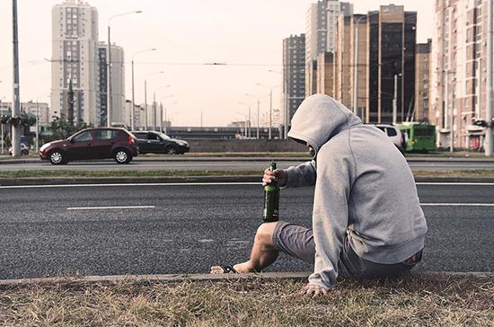 Брюн: COVID-19 привёл к росту пьянства в России