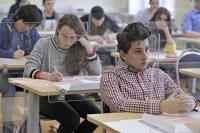 Школьники будут сдавать ЕГЭ в масках и перчатках только по решению местных властей