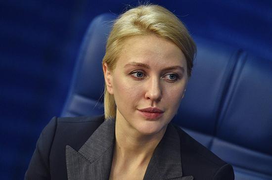 Депутаты фракции «Единая Россия» пожелали российской молодежи яркого и радостного пути