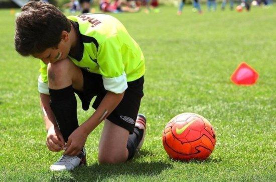 Минспорт предложил ввести компенсации за переход молодых игроков в иностранные клубы