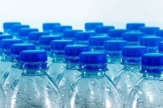 Эксперт рассказал, какую нужно пить воду, чтобы не болеть