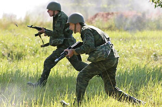 В России с 1 октября повысят оклады военнослужащим