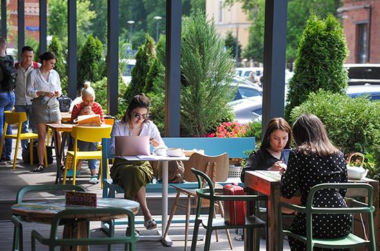 В Екатеринбурге с 1 июля заработают летние веранды кафе и ресторанов