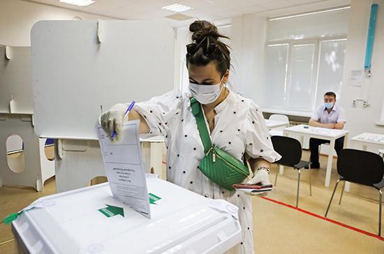 Более 60% избирателей в Волгоградской области проголосовали по поправкам к Конституции