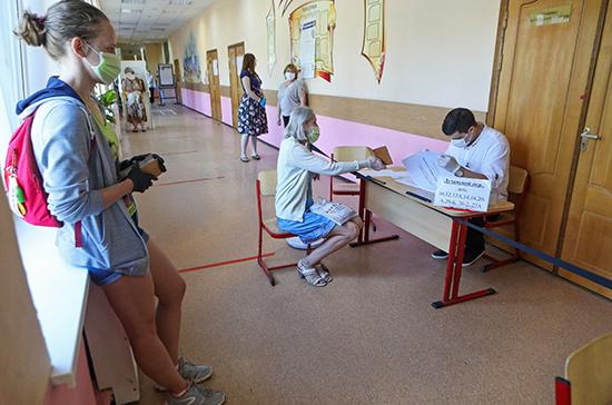 Более 50% избирателей в Красноярском крае проголосовали по поправкам