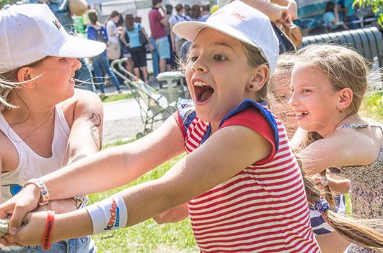 В июле из Петербурга на отдых отправятся 6,5 тысячи детей