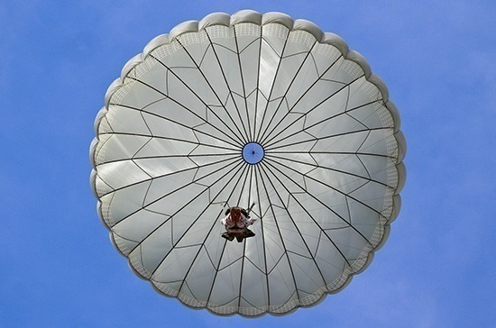 В России с 1 августа вступит в силу ГОСТ на парашюты