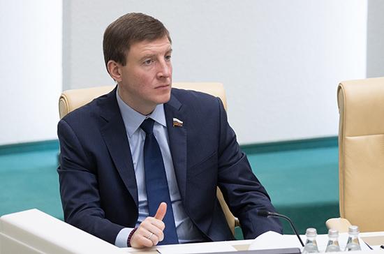Турчак предложил разработать «дорожную карту» проектов, исполняющих новые положения Конституции