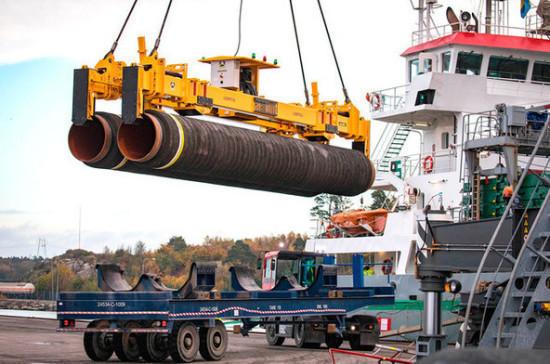 Способная достроить «Северный поток — 2» баржа вышла из немецкого порта