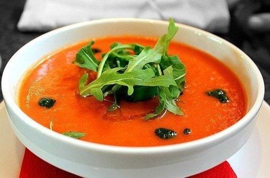 Повар рассказал, какими летними супами можно заменить окрошку
