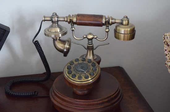 138 лет назад начали работу первые в России телефонные станции