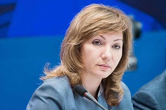 Тутова поддержала инициативу об ограничении досудебного изъятия детей из семьи