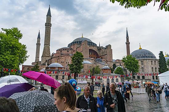 МИД Турции: Айя-Софию продолжат охранять как объект наследия ЮНЕСКО