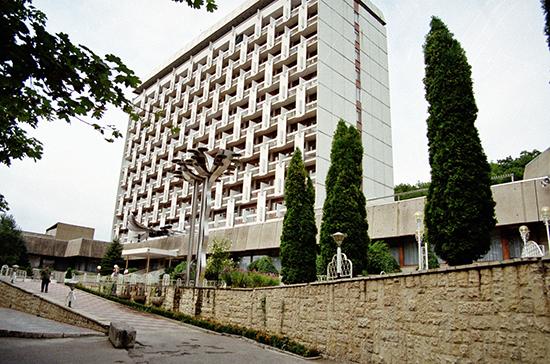 Минздрав отменил требование по справкам об отсутствии COVID-19 для отдыхающих в санаториях