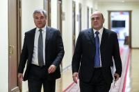 Депутаты спросят Мишустина про зарплаты учителей, врачей и бюрократию