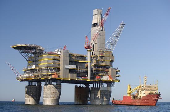 Россия в 2020 году может сократить добычу нефти на 10%, считают в Минэнерго