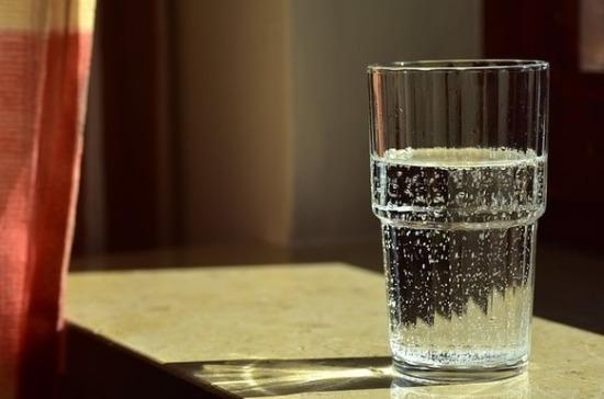 Врач-онколог перечислила полезные для кишечника свойства воды