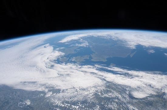 Специалисты NASA предупредили о трёх летящих к Земле астероидах