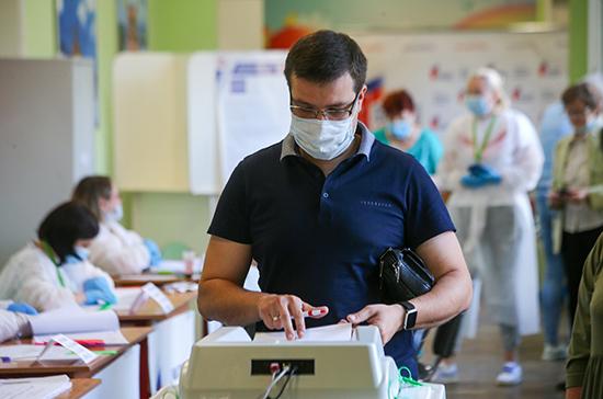 ЦИК поручил проверить данные россиян для выявления фактов двойного голосования
