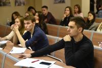 В России предлагают заключать договоры с преподавателями вузов не менее чем на три года