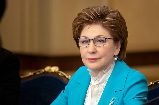 Карелова: принятие закона о молодёжной политике откроет перспективы для её развития