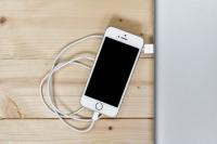 Эксперт опроверг мифы о зарядке смартфонов