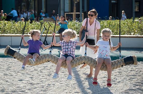 Российские семьи получат ежемесячные выплаты на детей от 3 до 7 лет